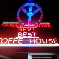 Снимок сделан в Best Coffee House пользователем Kerim Y. 1/1/2013