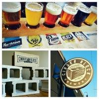 Das Foto wurde bei Cinder Block Brewery von Patrick M. am 10/10/2013 aufgenommen
