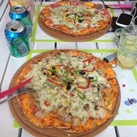 5/22/2013 tarihinde Volkan Ü.ziyaretçi tarafından Pizzacı Altan'de çekilen fotoğraf
