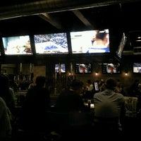 3/4/2013 tarihinde Sarah H.ziyaretçi tarafından Heights Tavern'de çekilen fotoğraf