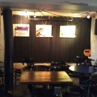 Photo prise au Café Bar Zénob par Jessy F. le10/21/2012