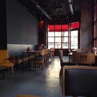 10/19/2013 tarihinde Mir S.ziyaretçi tarafından Pupa Burger'de çekilen fotoğraf