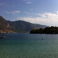 Das Foto wurde bei Ölüdeniz Tabiat Parkı von Nina Y. am 10/3/2012 aufgenommen