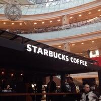 Снимок сделан в Starbucks пользователем RGR 9/29/2013