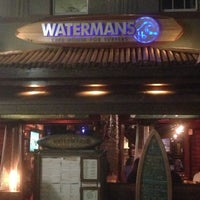 Foto scattata a Watermans - A Safe House For Surfers da Vic C. il 6/7/2013