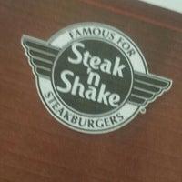Foto tomada en Steak 'n Shake por Rich L. el 6/17/2015