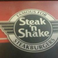 Foto tomada en Steak 'n Shake por Rich L. el 4/24/2016