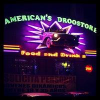 Foto tomada en American Droostore por Rodman R. el 1/26/2013