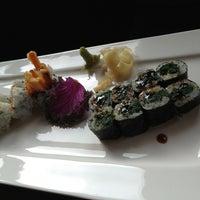 รูปภาพถ่ายที่ Yuki Hana โดย DiViNCi o. เมื่อ 1/17/2013