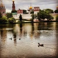 5/20/2013 tarihinde Ольга щ.ziyaretçi tarafından Novodevichy Park'de çekilen fotoğraf