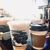 Снимок сделан в Makers & Finders Coffee пользователем AlHanouf A. 7/20/2018