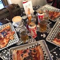 Снимок сделан в Delicious Pizza пользователем Faraaz N. 5/14/2017
