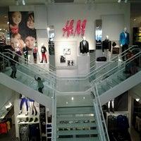 Foto scattata a H&M da Daniel A. il 12/30/2012