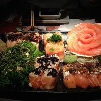 Foto tirada no(a) Sashiburi Sushi House por Deise D. em 6/14/2013
