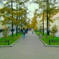 Снимок сделан в Андреевский бульвар пользователем Олег З. 11/21/2012