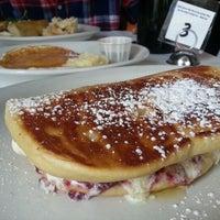 Foto scattata a Southport Grocery & Cafe da Lizelle M. il 11/19/2012