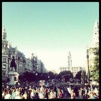 Foto tirada no(a) Avenida dos Aliados por Rui M. em 9/15/2012