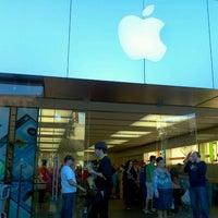 11/25/2012 tarihinde Bruno G.ziyaretçi tarafından Apple Town Square'de çekilen fotoğraf