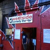 Foto diambil di M.i.'s Westside Comedy Theater oleh Adriana C. pada 10/27/2012