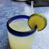 รูปภาพถ่ายที่ Iron Cactus Mexican Restaurant and Margarita Bar โดย Charise S. เมื่อ 3/9/2013