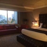 รูปภาพถ่ายที่ Westgate Las Vegas Resort & Casino โดย Dominique R. เมื่อ 10/26/2015