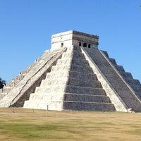 Foto tomada en Zona Arqueológica de Chichén Itzá por Veronika el 1/3/2013