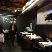 11/4/2012 tarihinde Erik W.ziyaretçi tarafından Tapas Club'de çekilen fotoğraf