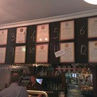 Foto tirada no(a) Harts Pub por Frank em 1/23/2013