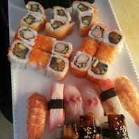 Foto scattata a Mai-Ling Chinese & Sushi da Nafi Ü. il 9/14/2012