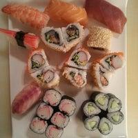 Снимок сделан в Mai-Ling Chinese & Sushi пользователем Nafi Ü. 9/28/2012