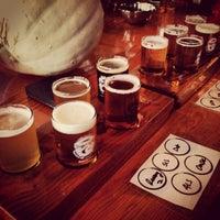 10/26/2013 tarihinde Caitlin O.ziyaretçi tarafından Fremont Brewing Company'de çekilen fotoğraf