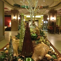 Foto scattata a Lansdowne Resort and Spa da Nicole N. il 12/8/2012
