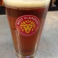 Foto tirada no(a) West Flanders Brewing Company por Amanda C. em 10/25/2012