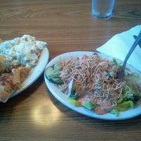 Das Foto wurde bei Pizza Hut von Kevin D. am 10/10/2012 aufgenommen