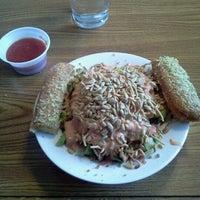 Das Foto wurde bei Pizza Hut von Kevin D. am 12/13/2012 aufgenommen