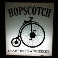 Das Foto wurde bei HopScotch von Jesse C. am 6/24/2013 aufgenommen