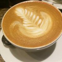 Снимок сделан в Coffee 22 пользователем Inga F. 3/2/2015
