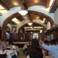 Foto diambil di Carballeira Restaurant oleh Oleg V. 🇷🇺 pada 5/24/2014