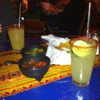 4/7/2013にNikkiがEl Comal Mexican Restaurantで撮った写真
