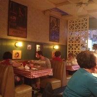 Foto scattata a Casa Bianca Pizza Pie da Kevin R. il 2/14/2013