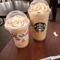 Foto tirada no(a) Starbucks por Mariana N. em 11/10/2018