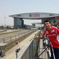 Das Foto wurde bei Shanghai International Circuit von Gonzalo am 4/14/2013 aufgenommen