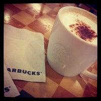 รูปภาพถ่ายที่ สตาร์บัคส์ โดย Chaowanee K. เมื่อ 11/3/2012