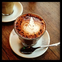 Das Foto wurde bei TOYKIO Gallery & Coffee von patrick am 2/23/2013 aufgenommen