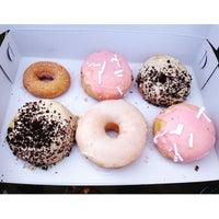 6/13/2015에 thechommery님이 All Day Donuts에서 찍은 사진