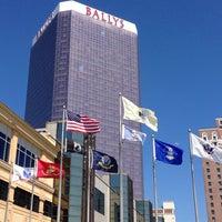รูปภาพถ่ายที่ Bally's Casino & Hotel โดย Dan เมื่อ 7/5/2013