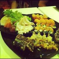 Foto tirada no(a) Kurokawa Sushi Bar por Renan M. em 1/18/2013