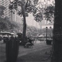 Foto scattata a Bryant Park da Phillipe il 10/6/2013