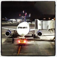 Das Foto wurde bei Aeropuerto Internacional Comodoro Arturo Merino Benítez (SCL) von Maximiliano am 8/20/2013 aufgenommen