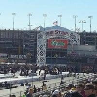Photo prise au The Strip at Las Vegas Motor Speedway par Stephen Y. le10/27/2012
